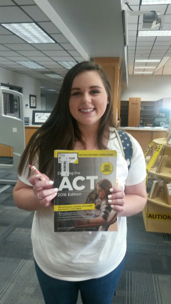 Sydney Gibbs stopped by today to get an ACT book. Seniors come by before Friday &amp; get your book &amp; your Smartie. #besmart #ACT #Oct17<br>http://pic.twitter.com/rWDg7RGk7y