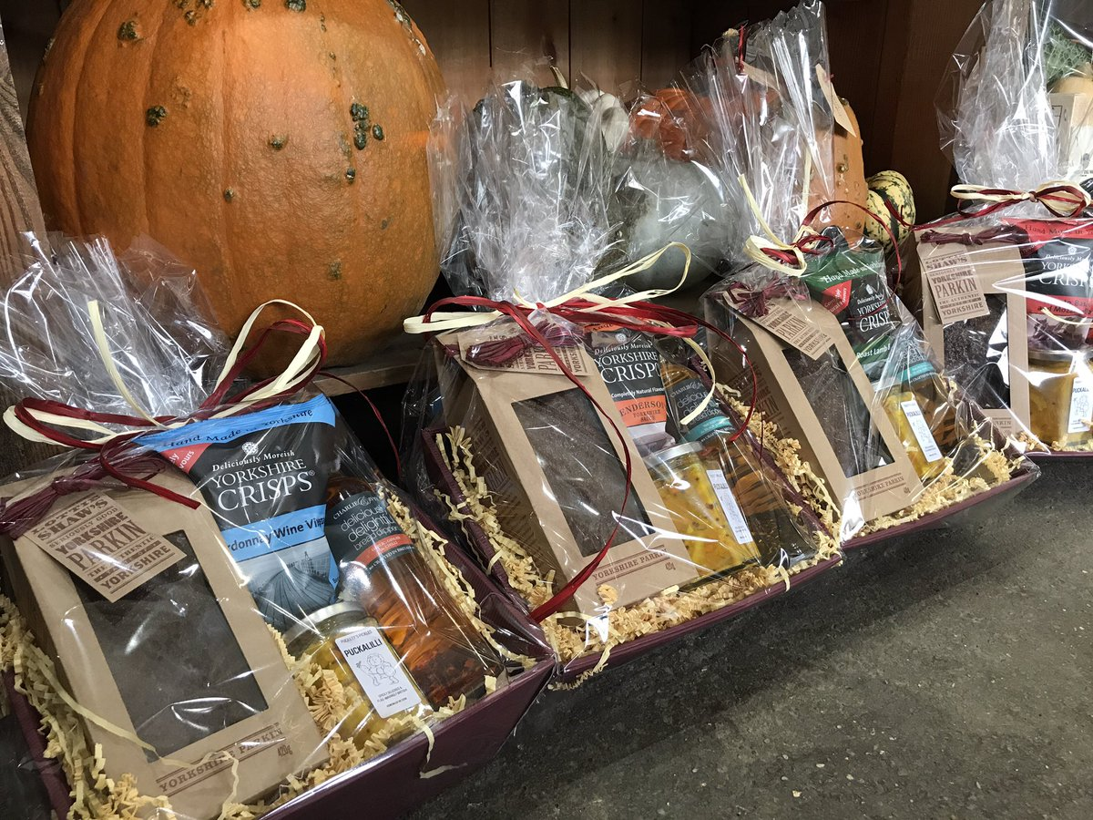#Yorkshire #hampers going out tomorrow #wedding #gift packed with #Local #artisan produce we  local at Berts!<br>http://pic.twitter.com/NuD7QS0BMk