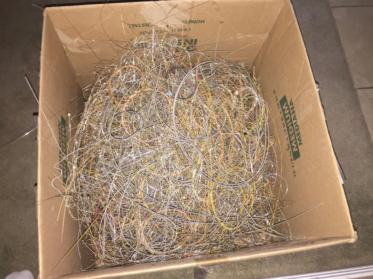 More used guitar strings saved from going into the garbage! #recycle #reuse #repurpose #guitar #guitarstrings #jewelry #rocknroll #music<br>http://pic.twitter.com/DhYKA5ptAA