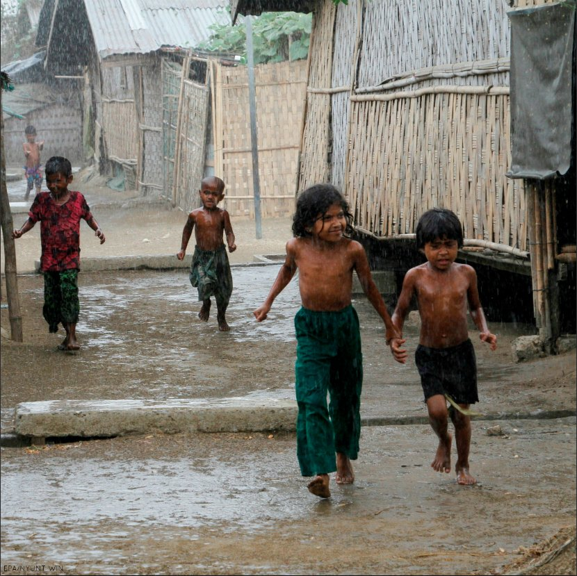 #Rohingya persecution: #Myanmar should work with aid orgs rather than accusing them of supporting terrorism  http:// ow.ly/GBZ430fqR5n  &nbsp;  <br>http://pic.twitter.com/Xna8iuLpLN