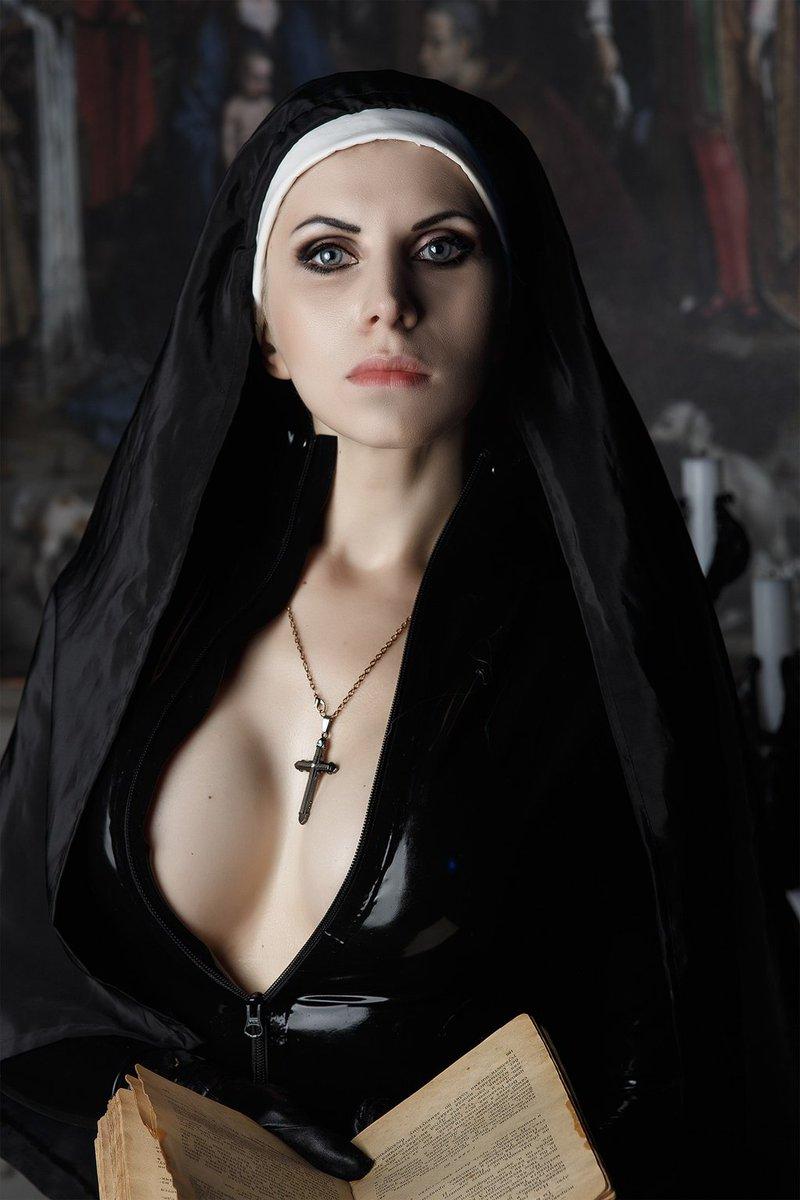 cleo-nun-nude-girls