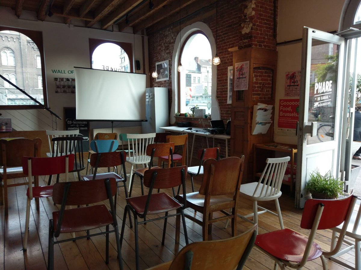 Setting up everything for the demo night! Such an amazing location to talk about #legaltech entrepreneurship. See you soon #legalhack<br>http://pic.twitter.com/8uxQS4HkV3