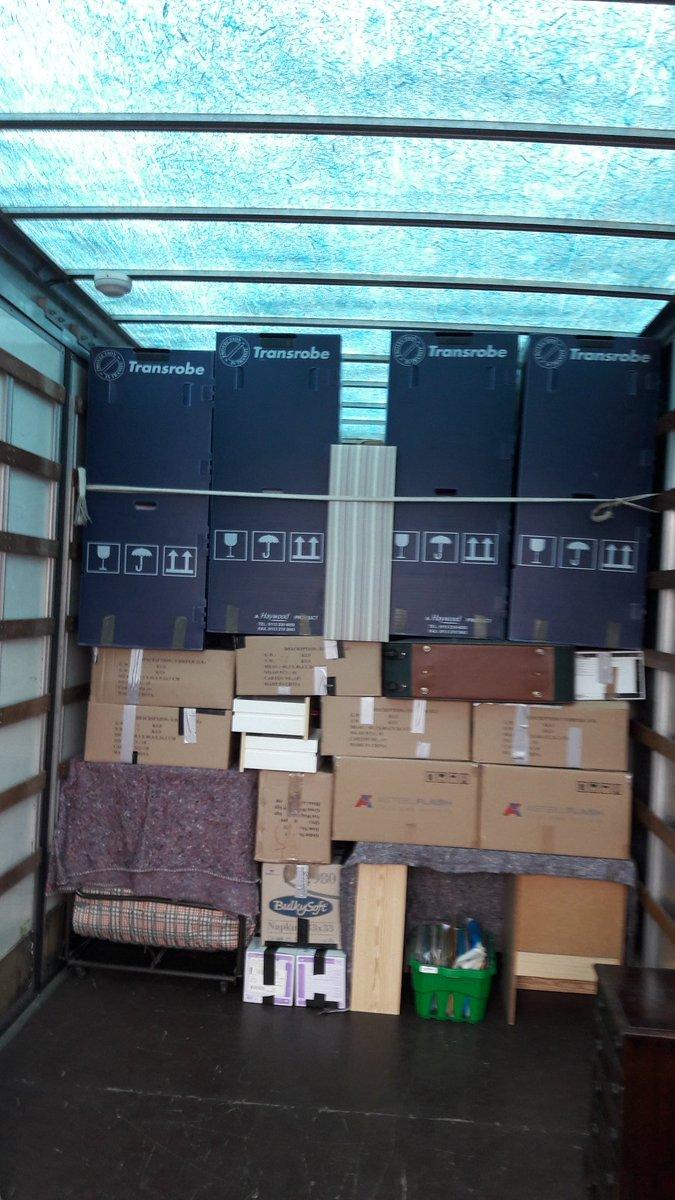 Unloading in# keyworth #Removal #Nottingham.<br>http://pic.twitter.com/elcb5xpVzb