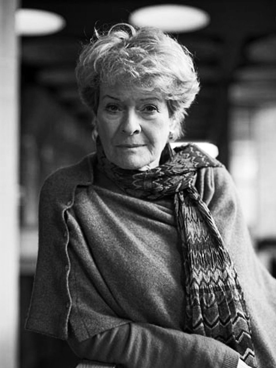Janet Suzman Nude Photos 30