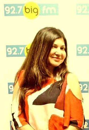 .@thealkayagnik So Sweet   #AlkaYagnik #Bollywood Alka Yagnik #MelodyLane #BigFm #LataMangeshkar #BollywoodSong #BollywoodMusic<br>http://pic.twitter.com/wDmeJOg84E