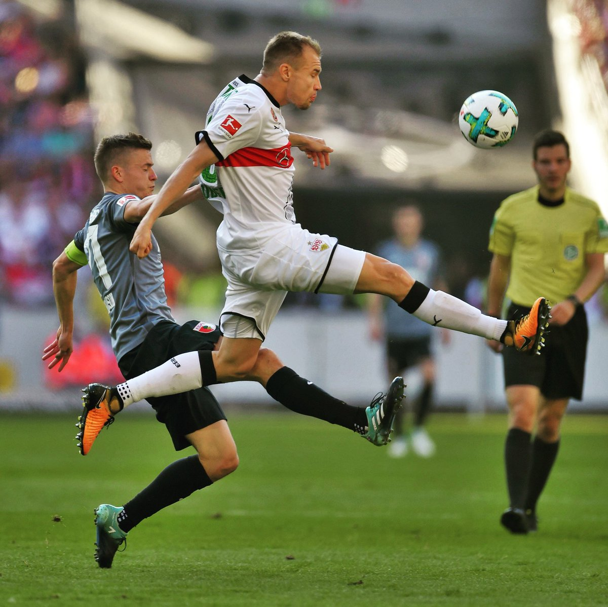 Jumping ahead 🤙🏼 #straightforward #nextgame #bundesliga @VfB https://t...