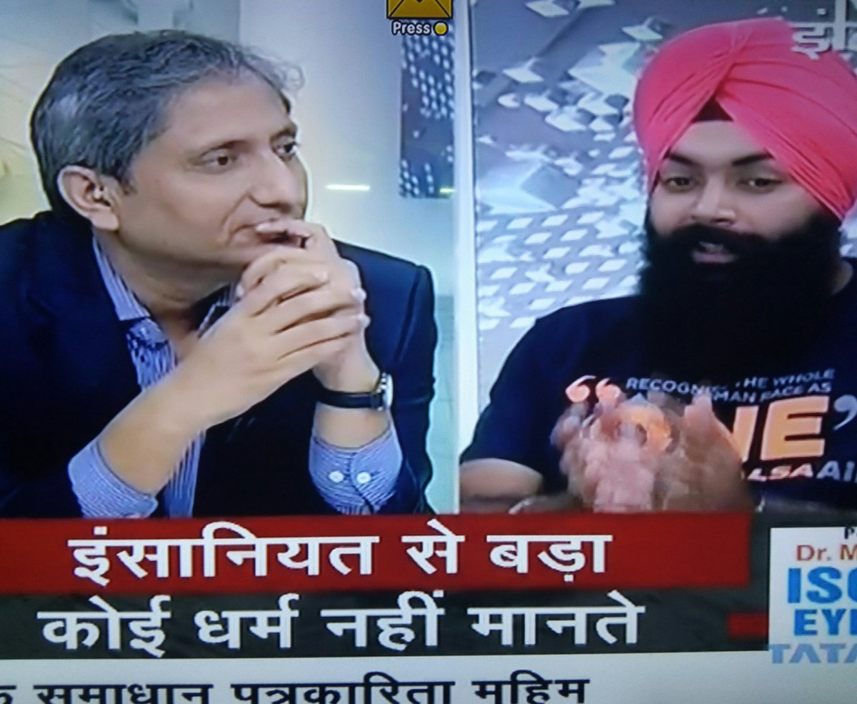 thanks @ravishndtv for inviting team of @Khalsa_Aid  Many of us were not aware that #humanity still exists....!!! <br>http://pic.twitter.com/zfUDZeZcrw