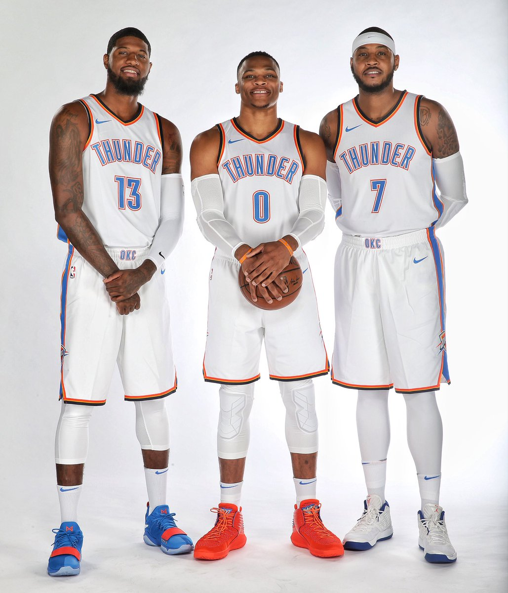 ¿Cuánto mide Carmelo Anthony? - Altura - Real height DKqecFuXkAAyGKC