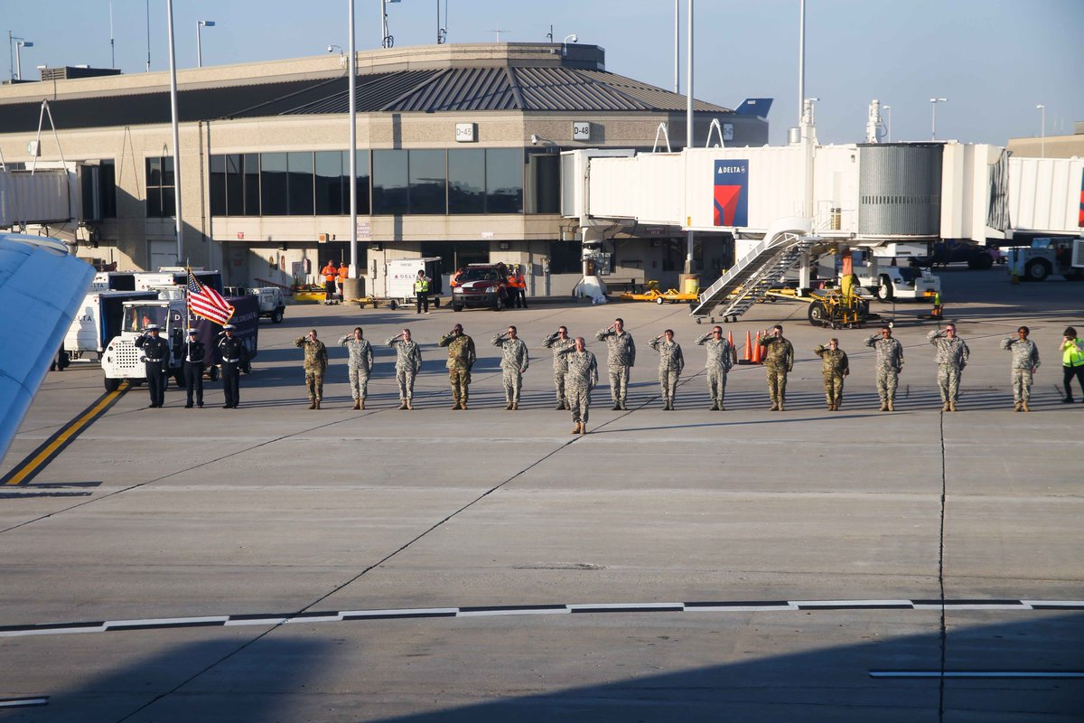 What our #honorflight #veterans saw out the window of their plane as they left Milwaukee, bound for DC, on September 16... <br>http://pic.twitter.com/5QycKtndwM