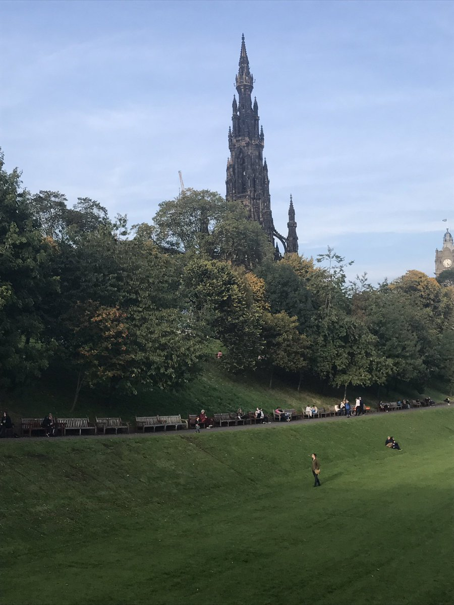 The Scott Monument in Princes St Gardens, #Edinburgh, like a #Gothic spaceship waiting to blast off in to space.<br>http://pic.twitter.com/5YY6G597BM