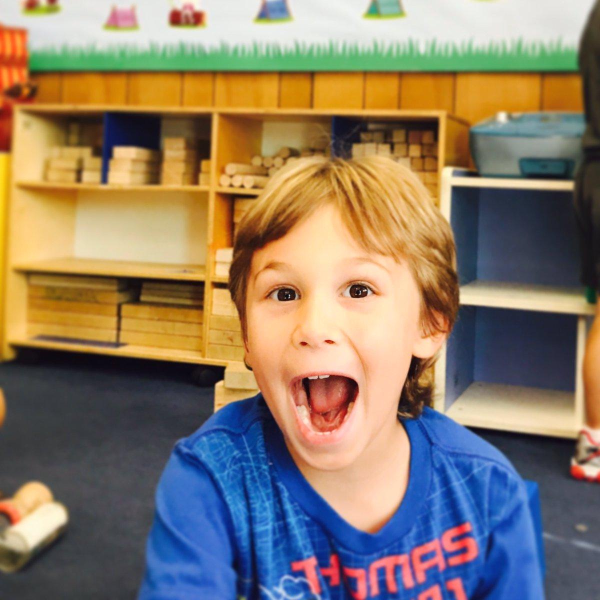 Happy to be at school face! #schooldays #momlife <br>http://pic.twitter.com/Kroq1XFqyn