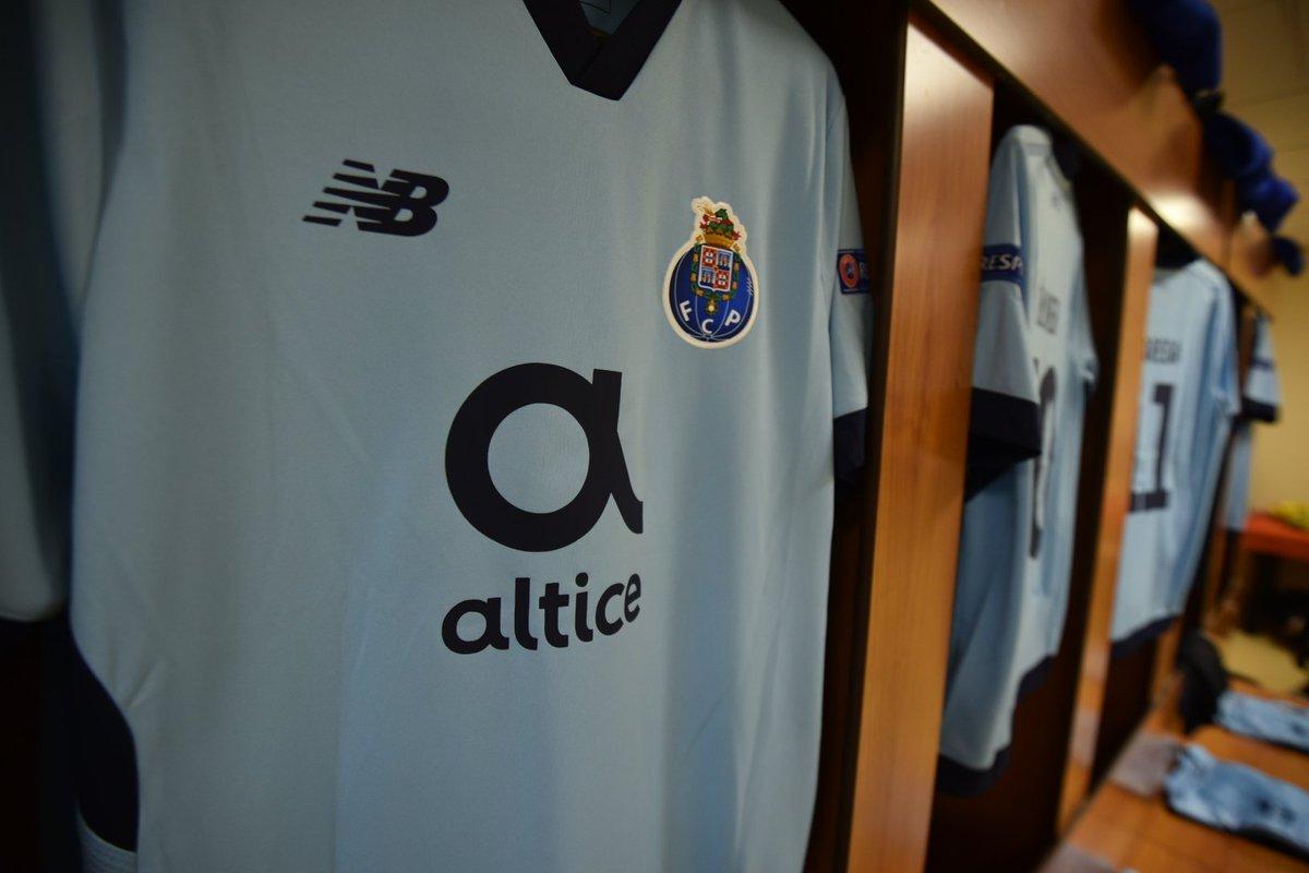 O nosso 11: Casillas; Ricardo, Felipe, Marcano, Alex Telles, Herrera, Danilo, Sérgio Oliveira, Brahimi, Marega e Aboubakar 💪  #ASMFCP #UCL
