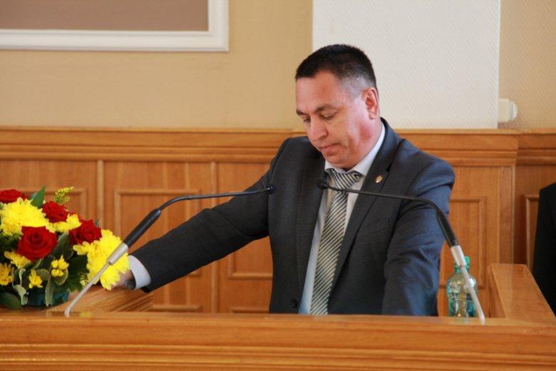 это фото всех депутатов чебоксар Перминова тренируется