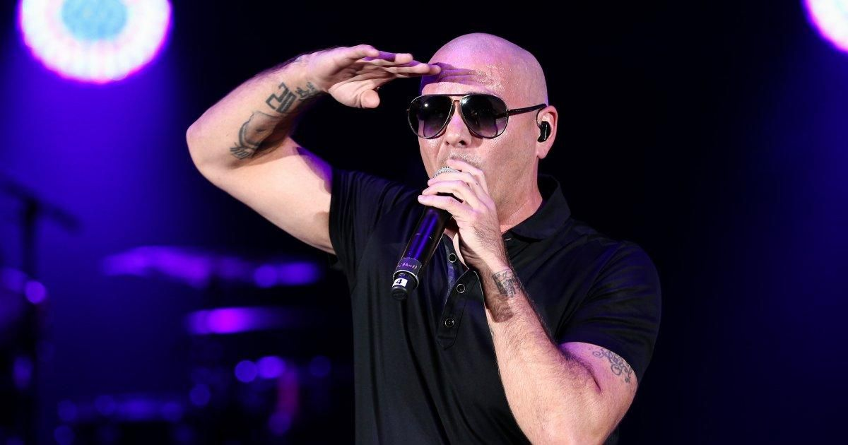 Pitbull is sending his private plane to Puerto Rico so that cancer patients can receive treatment in the U.S. https://t.co/tCFewgKkIf