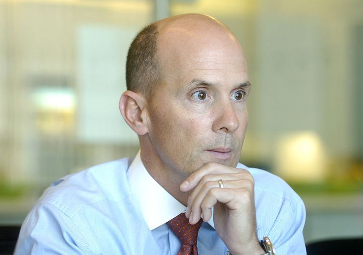 Equifax CEO Richard Smith, who oversaw breach, to collect $90 million https://t.co/Clg0QWn4tv