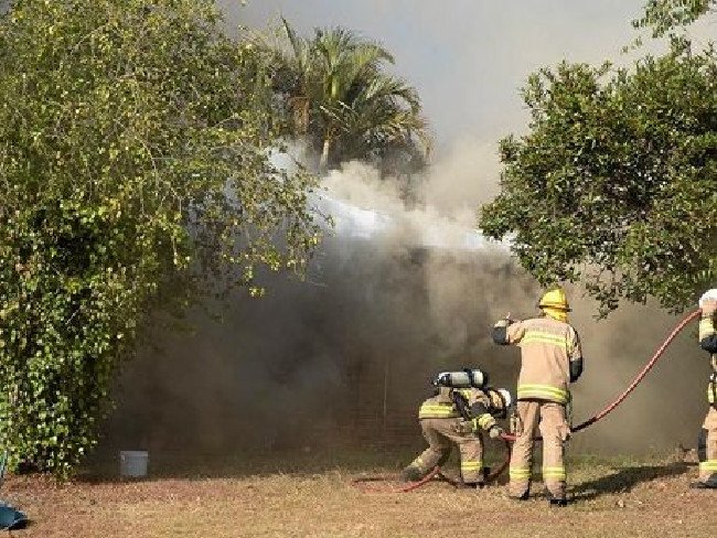 Sunshine Coast family escapes morning house fire thanks to working smoke alarms. #GoodNews https://t.co/UepBP59JGC