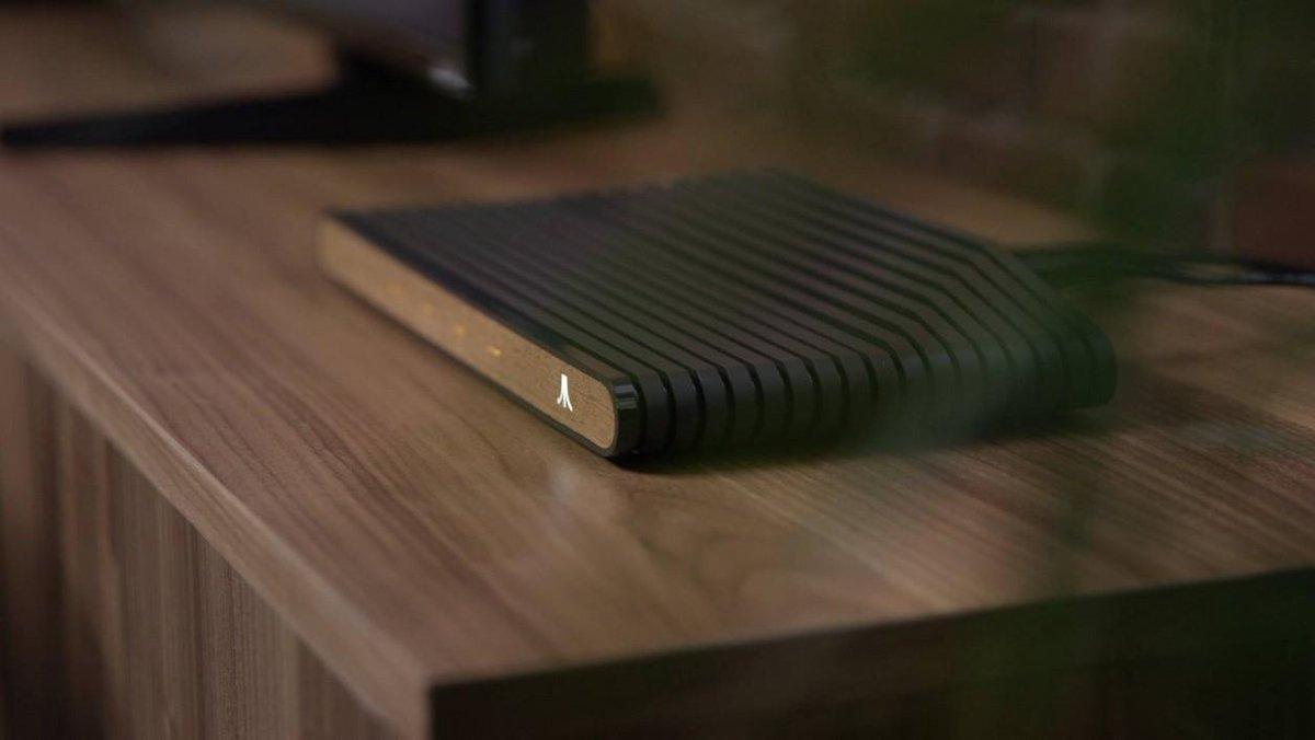 L'Ataribox sera une sorte de PC sous Linux, vendu environ 300 dollars https://t.co/20FEJZbYj0