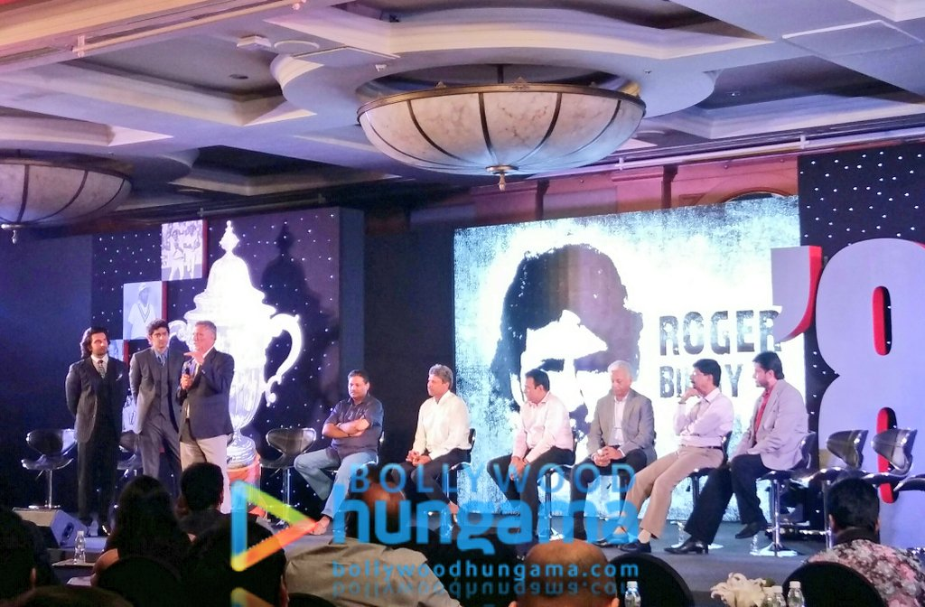 On Stage the team of #1983WorldCup with @RanveerOfficial & @therealkapildev for the launch of #Relive83<br>http://pic.twitter.com/ogkfFipaLC