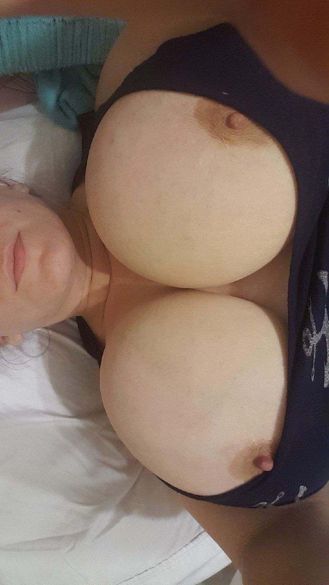Nude Selfie 11243