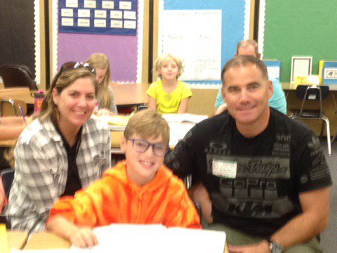 Dad flies all the way from Camp Pendleton to surprise his son. #FLDadsatschoolday #celebratelps