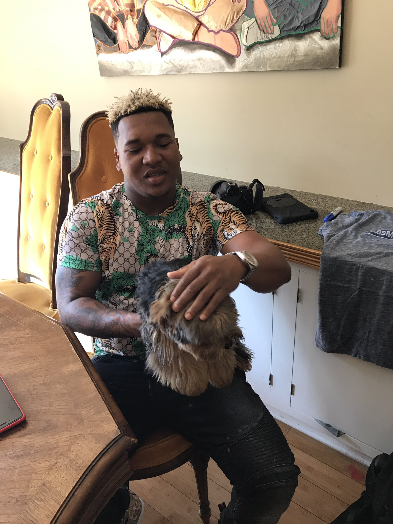 Welcome to Cleveland. Get to know @Indians star @MrLapara in Real Life. #MIRL @mlb @LasMayores https://t.co/kwygH7oySa