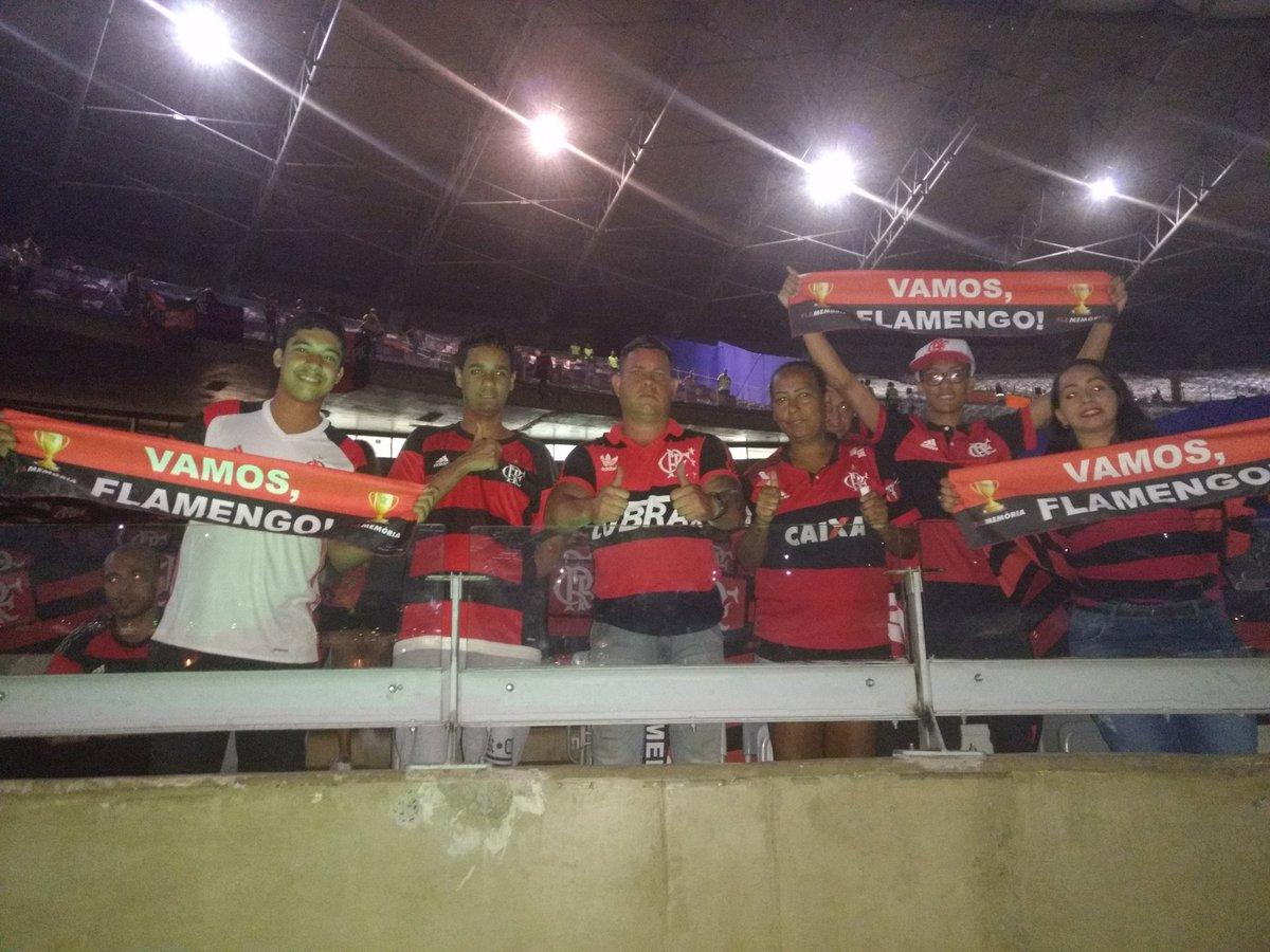 Mineirão ainda escuro, mas a Nação começa a entrar #SomosTodos #VamosFlamengo