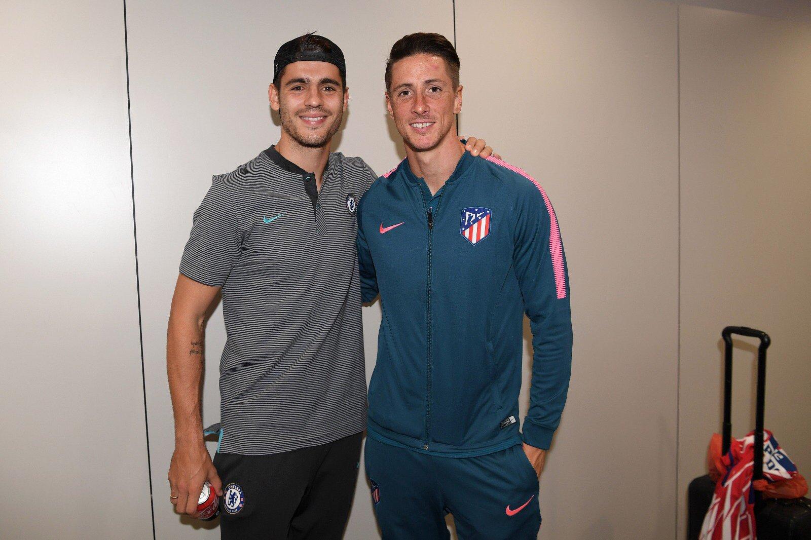 ¿Cuánto mide Fernando Torres? - Real height DKw8UfQW4AAftpZ?format=jpg&name=orig