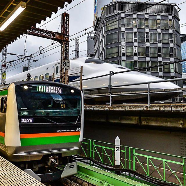 新幹線と並ぶE233系 #ig_nippon #icu_japan #igersjp #hdr_transports #ig_cameras_united #lovers_nippon #trb_express #eisenbahnfotografie #train_ne https://t.co/HVagFDHWI3 1