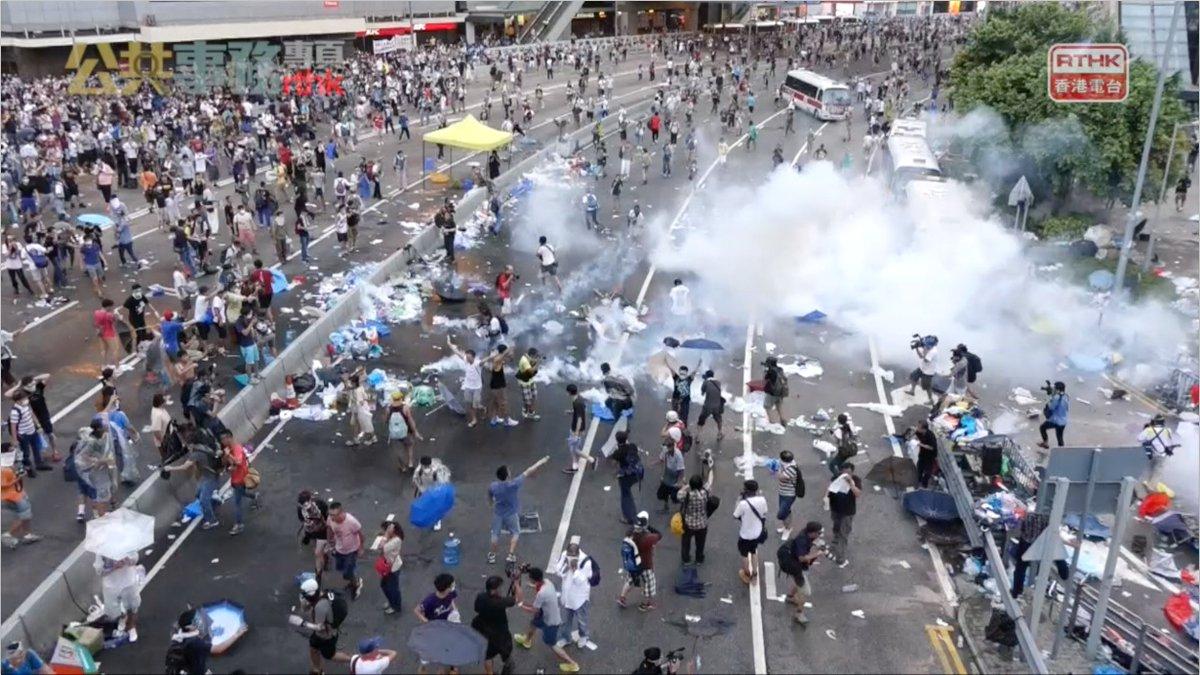 Today in #HongKong's history   #OccupyHK #UmbrellaMovement #28Sep2014 #87teargas #HK