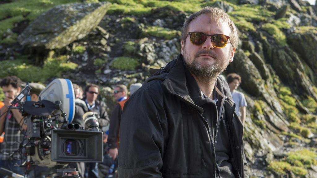 Check out @rianjohnson's behind-the-scenes glimpses of #TheLastJedi. https://t.co/6qvEH4JWD1 https://t.co/zq0TrgY86S