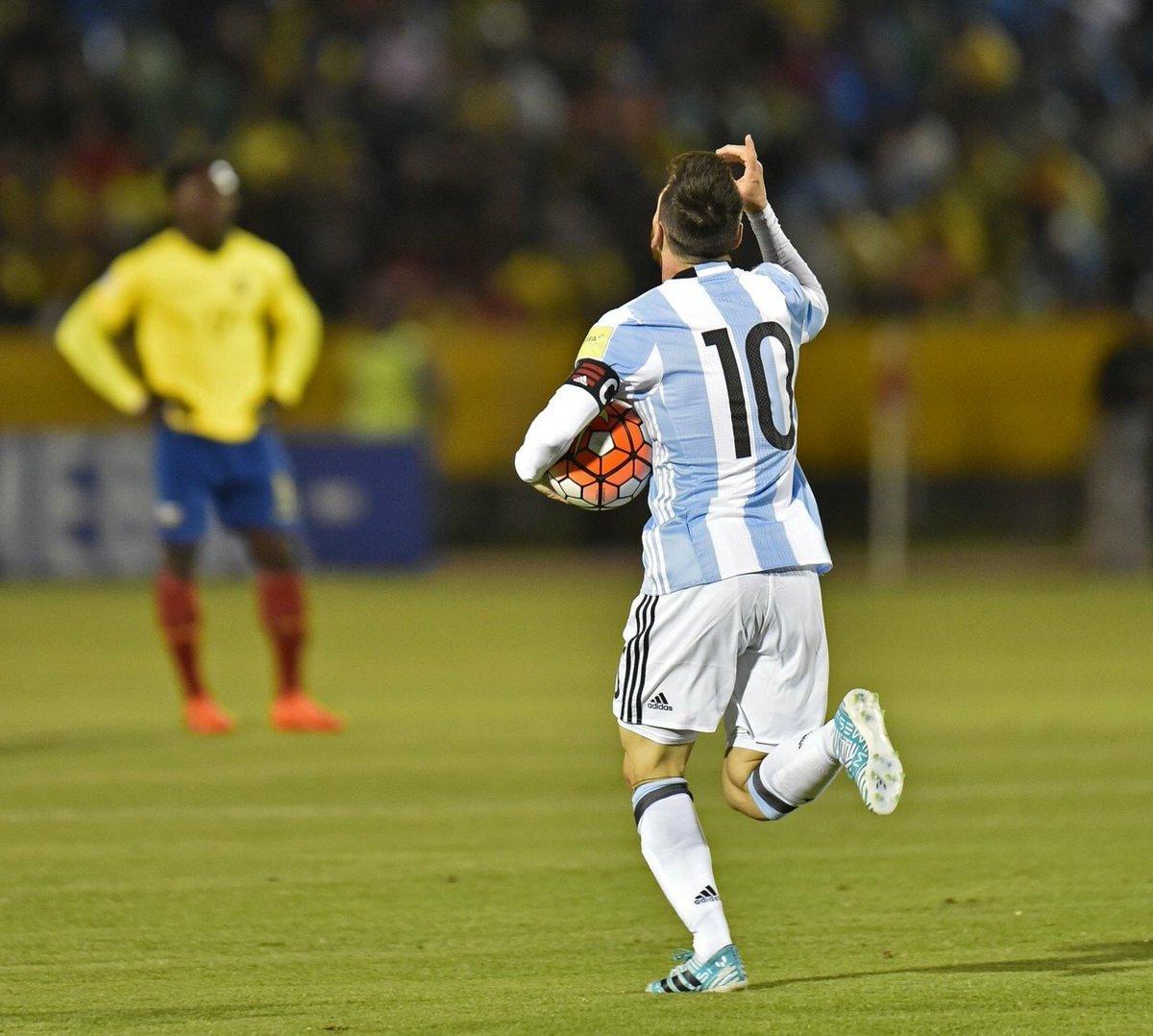 O MAIOR artilheiro da HISTÓRIA das Eliminatórias: 20 gols.   Pela Argentina 🇦🇷: 122 jogos 60 gols 38 assistências  Respeite!