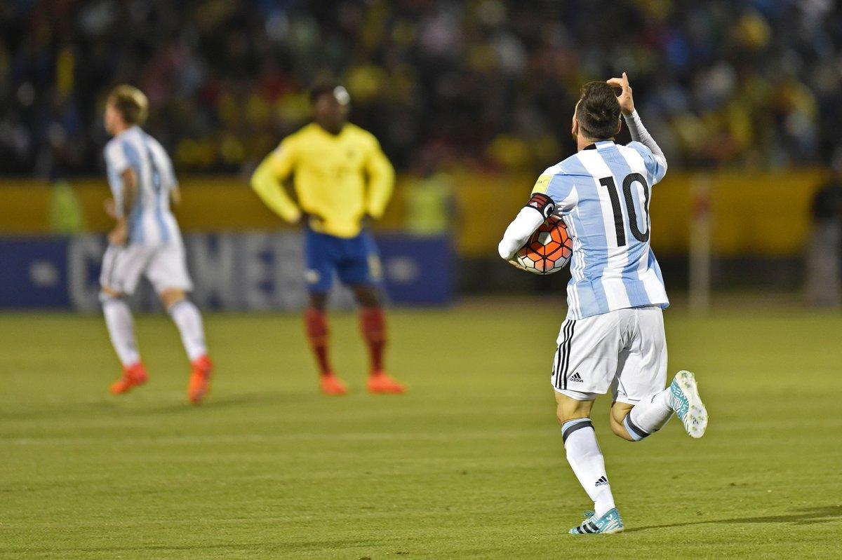 🕘 TERMINÉ !  ÉQUATEUR🇪🇨 1-3 ARGENTINE🇦🇷  L'Argentine se qualifie pour la Coupe du Monde 2018 grâce à un triplé de Leo Messi !!!