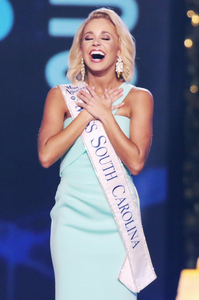 &quot;A grateful heart is a magnet for miracles&quot; #onemonthago #dreamcometrue #missamerica2018<br>http://pic.twitter.com/O7cxtCLtZQ