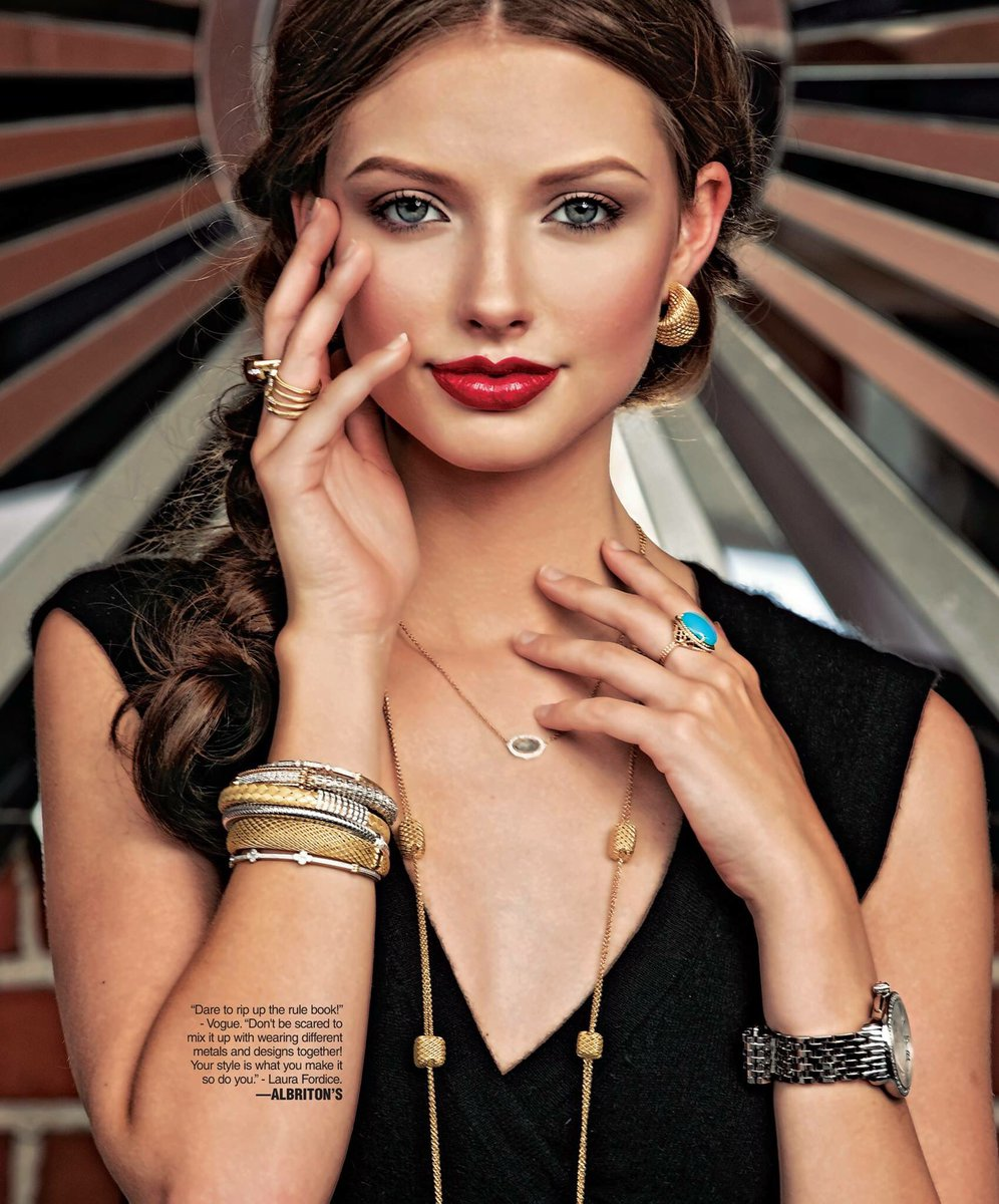 Only one word to describe Albriton&#39;s Jewelry, Inc.&#39;s #FallFashion spread: STUNNING! #TheLook  http:// northsidesun.com/special-sectio ns &nbsp; … <br>http://pic.twitter.com/iI17Wl6MxL