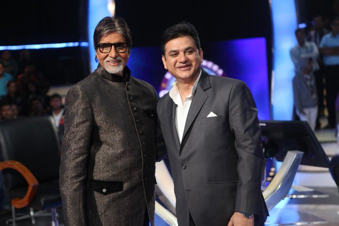 To Amitabh Bachchan Ji : Dear Sir, wishing you a very Happy Birthday!