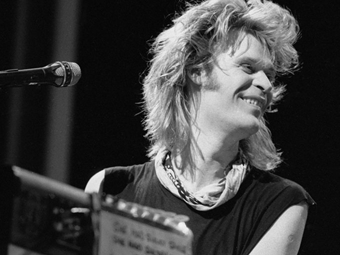 Happy 71st  birthday to Daryl Hall of Hall and Oates, one of the best soul singers of his generation.