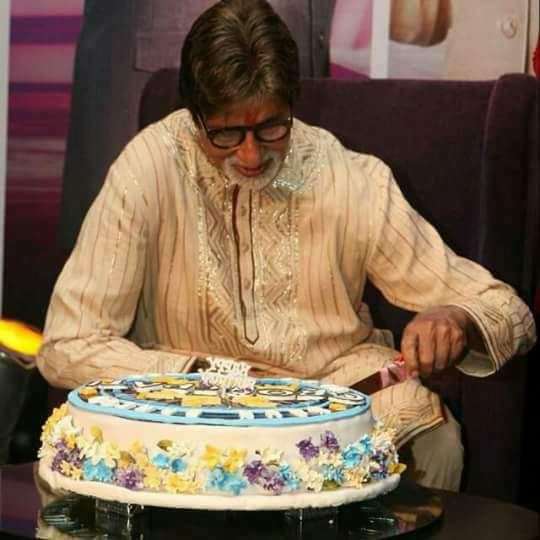Many Many Happy Returns of the day Happy Birthday \PRAYAG SHIROMANI\ AMITABH BACHCHAN SIR.