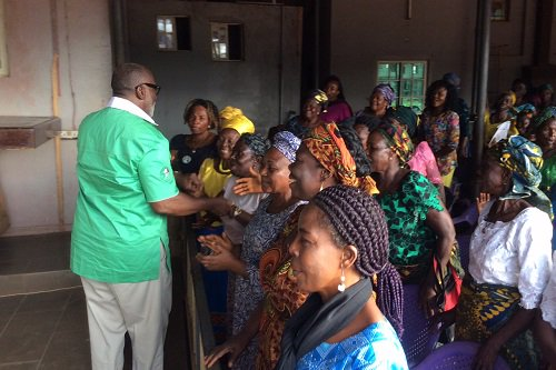 PDP candidate in upcoming Anambra governorship election, Oseloka Obaze, and his wife Ofunne Obaze hit the campaign trail in Awka, addressed women
