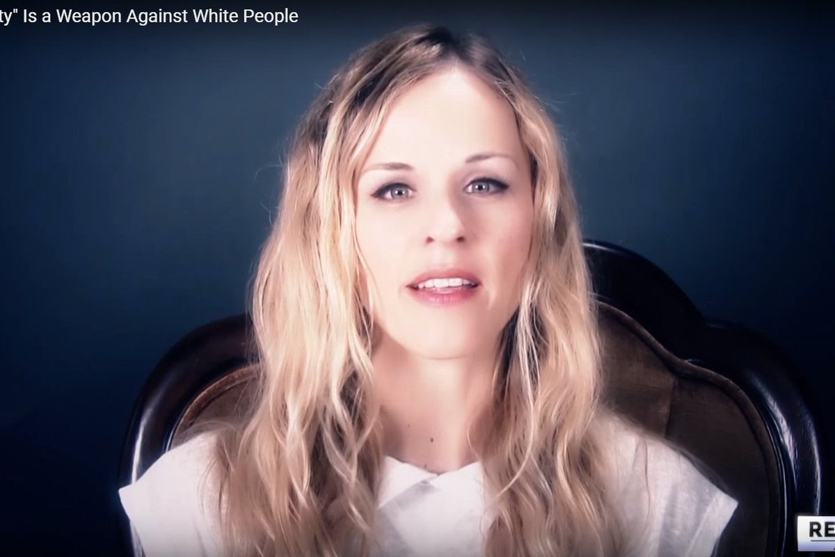 The [#White] #women fighting for #White #male #supremacy #NicoleHemmer #RedIceIce #WKKK #NotMyFeminism #AintIAWoman?  https://www. vox.com/the-big-idea/2 017/9/18/16323686/women-alt-right-power-subservience-paradox-klan &nbsp; … <br>http://pic.twitter.com/nqEq7BIbCU