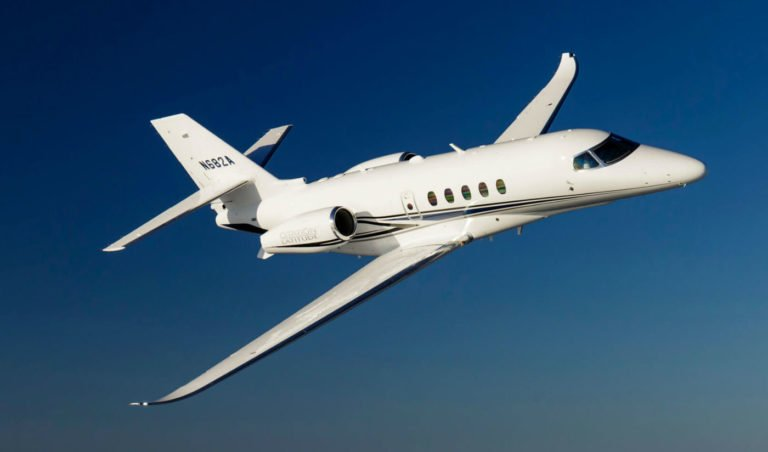 .@Cessna #Citation #Latitude reaches 100th delivery milestone  http:// bit.ly/2g9Wu8o  &nbsp;   #NBAA17<br>http://pic.twitter.com/KUj4hfHhmh