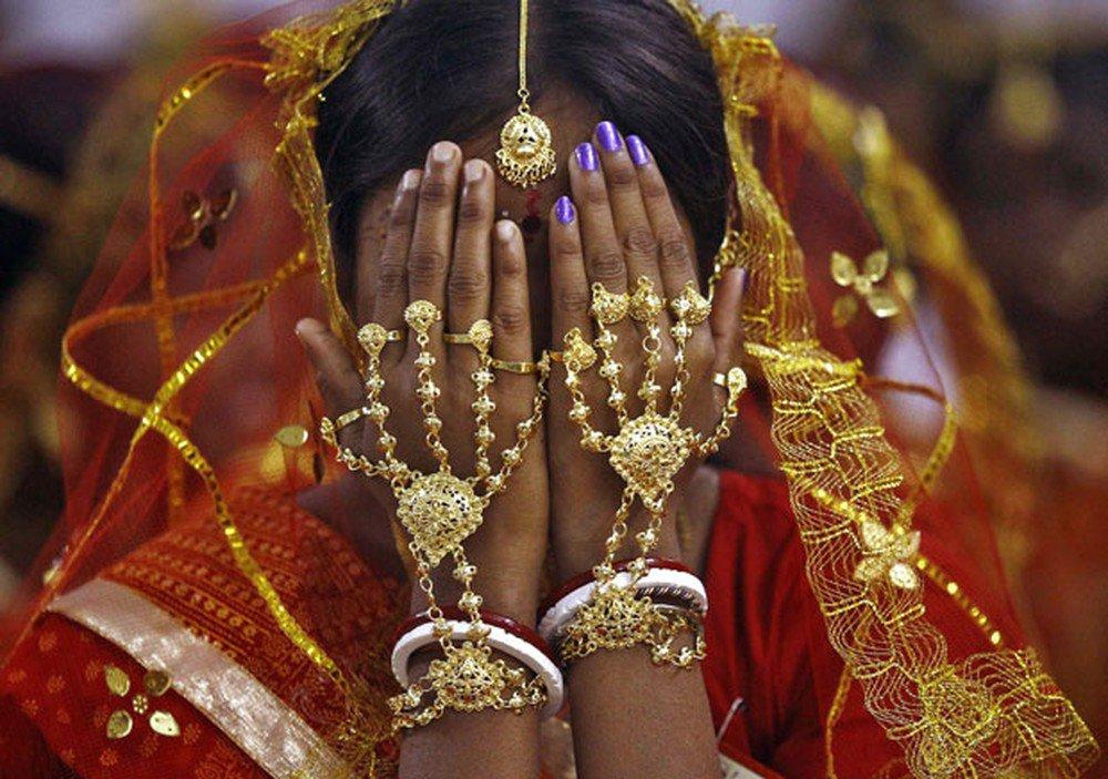 Índia determina que sexo com esposa menor de idade é estupro https://t.co/gE190wZ44S #G1