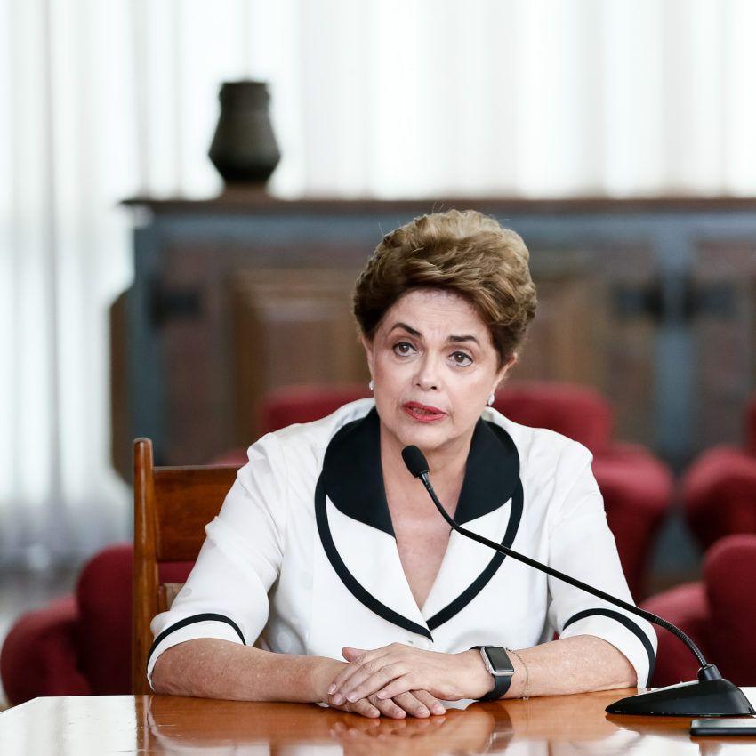 TCU bloqueia bens de Dilma, Palocci e Gabrielli por compra de Pasadena https://t.co/L63bdqAB0j