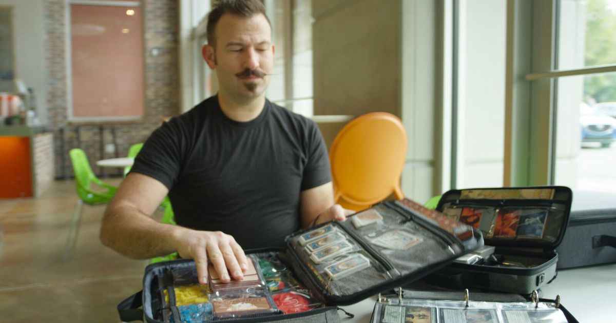 Organize your board games with this Kickstarter case system