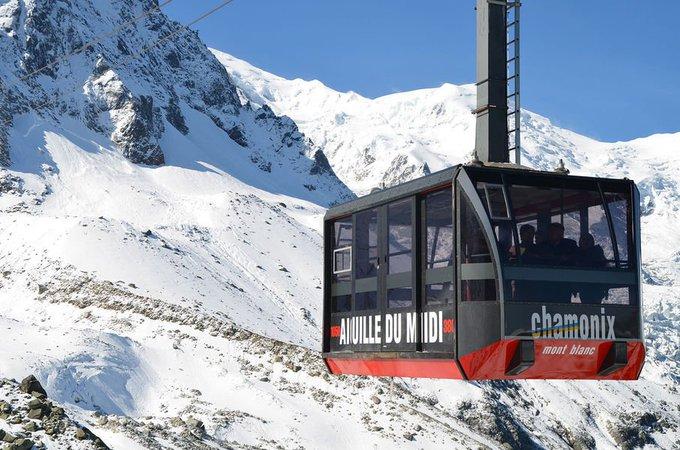 El descenso mediante remontes más largo del mundo 🌍. Vallèe Blanche (Chamonix) 🔝🔝🔝Gran reportaje de los Gatos!! ➡️https://t.co/SQMO0BxRDM