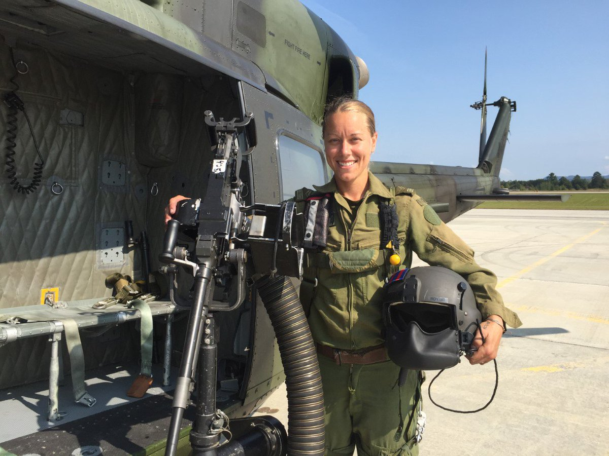The first female door gunner #GirlsBelongHere #InternationalDayoftheGirl #RotoWing Read the story here ...  sc 1 st  Twitter & RCAF on Twitter: