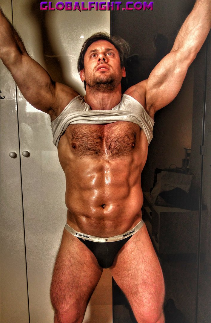 My musclejock flexing bud from  http:// GLOBALFIGHT.com  &nbsp;   #muscleman #flexing #big #biceps #hairy #chest #muscles #legs #pictures #profiles #tx<br>http://pic.twitter.com/4Vcr3uXUSY