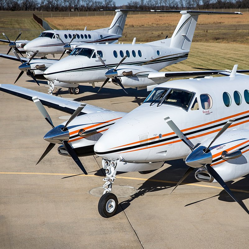 500 &amp; counting. There&#39;s a reason why G1000 for #KingAir is the most popular &amp; trusted flight deck upgrade.  http:// bit.ly/2yZNKoZ  &nbsp;   #NBAA17<br>http://pic.twitter.com/gkjt35IZoW