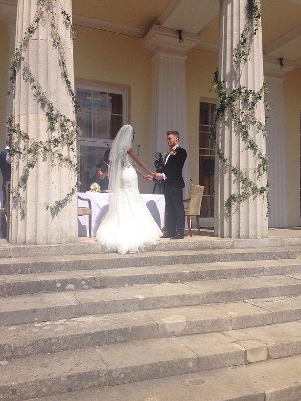 #TheApprentice!! Awww my wedding venue @StokePark. #Nostalgia xx https://t.co/dyaIWiyf5b