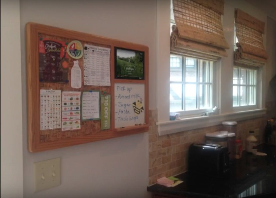 BeeBoard #iPadHolder #BulletinBoards are great in #kitchens.  #Corkboard, #Whiteboard and #iPad as a #CommunicationHub.<br>http://pic.twitter.com/eSvDcnOdax