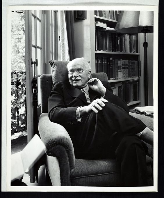 &quot;I am not what happened to me, I am what I choose to become.&quot; - #Carl #Gustav #Jung  <br>http://pic.twitter.com/oBEix0jllB